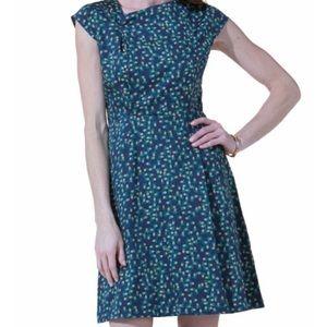 NWT - Navy Pineapple Print Shift Dress